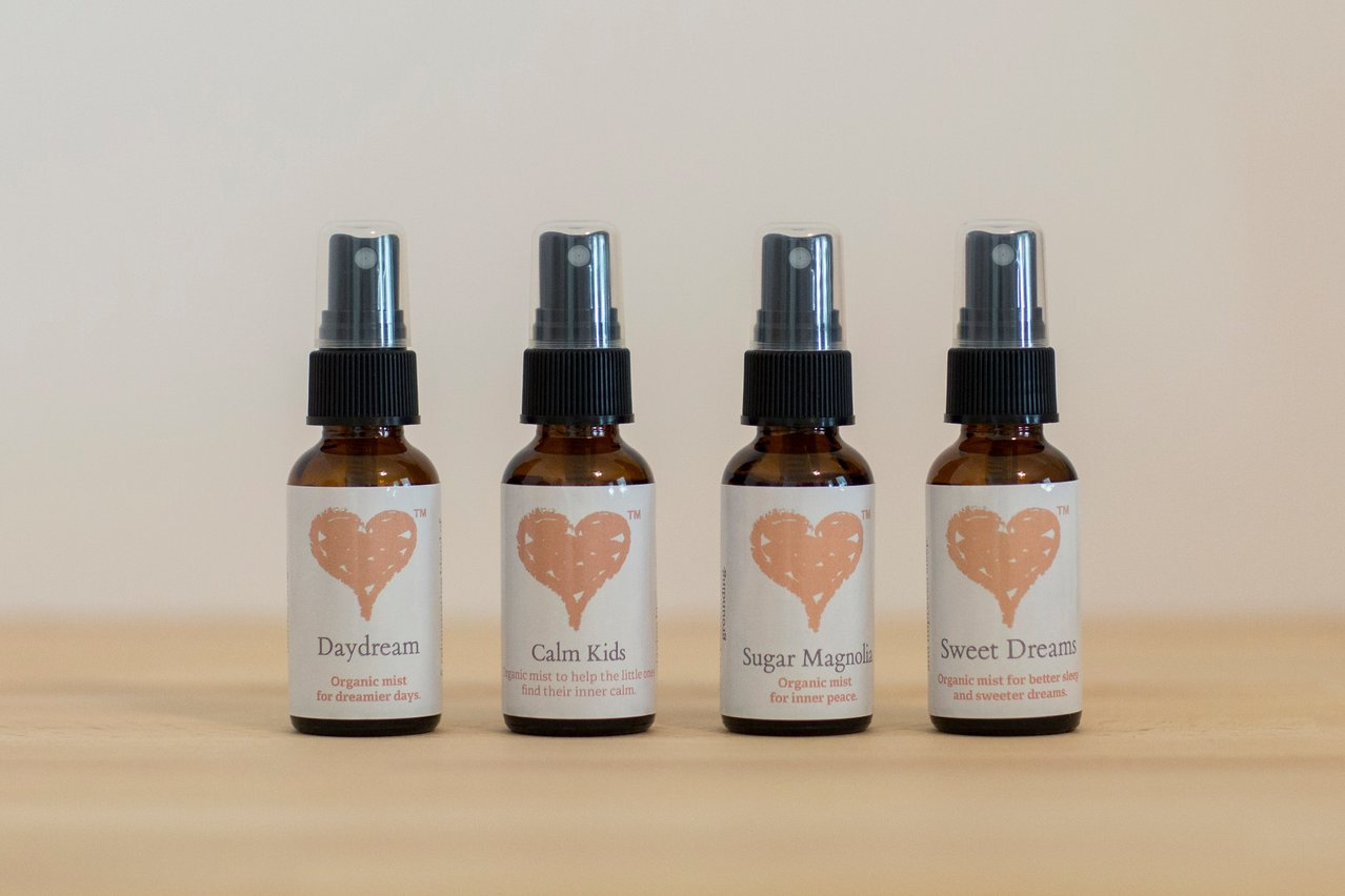 Get your sample pack of our organic mists!