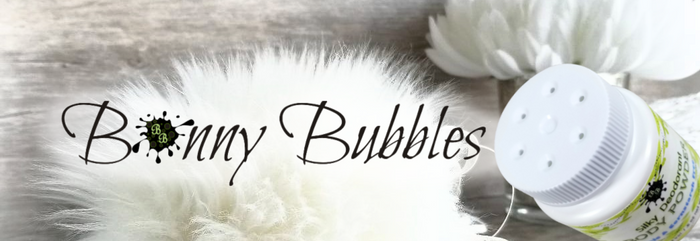 Bonny Bubbles dusting powder and body powder puffs