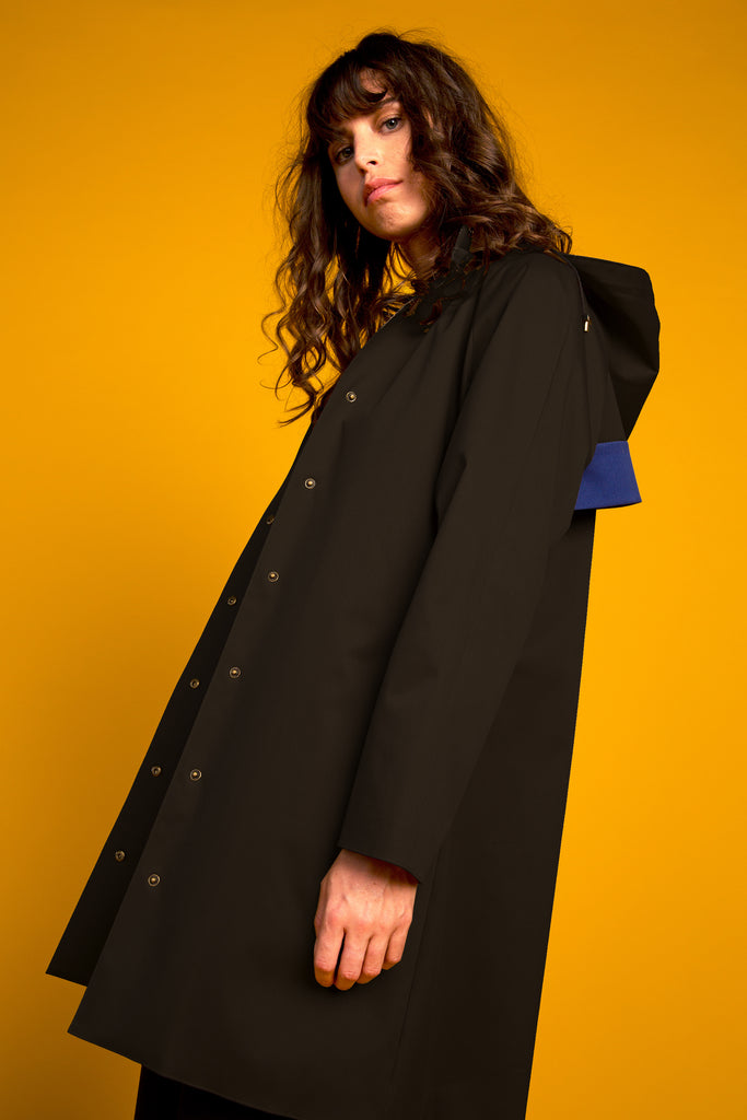 Recycled Line | Domed Raglan Coat | Black