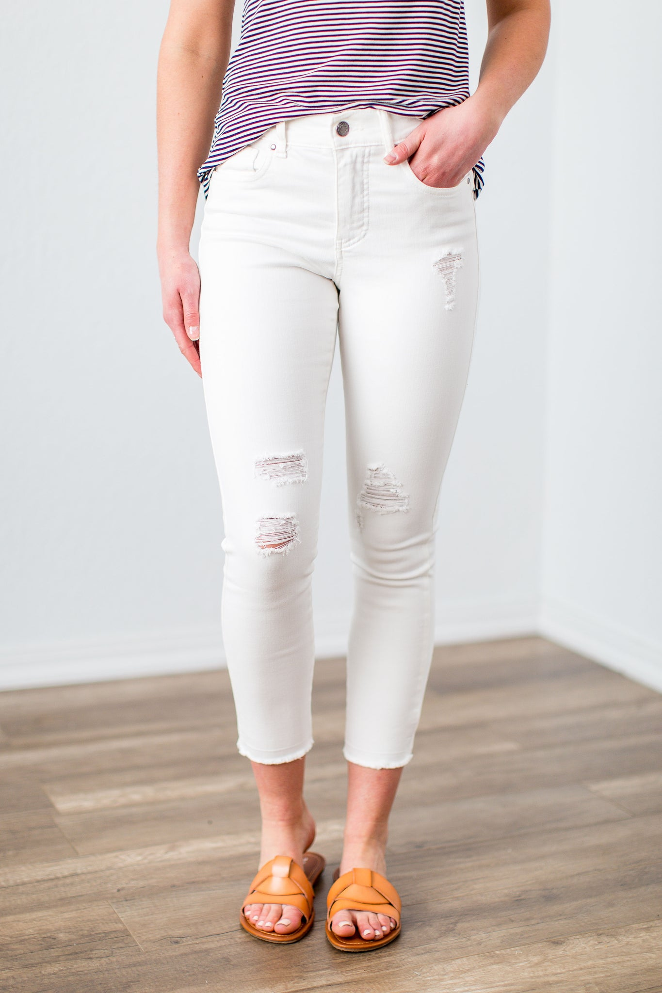 9c189083c403b Grace & Lace White Zip Up Cropped Jeggings