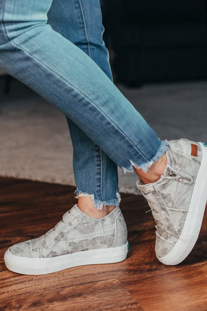 Blowfish Mamba Sneaker Wedge - Grey Camo