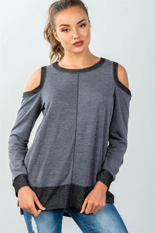 French terry knit athletic cropped hoodie.