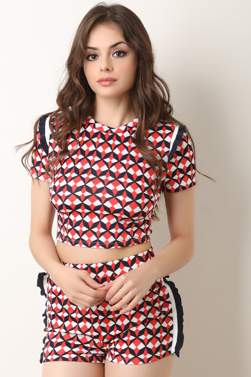 Geometric Pattern Crop Top With Shorts Set