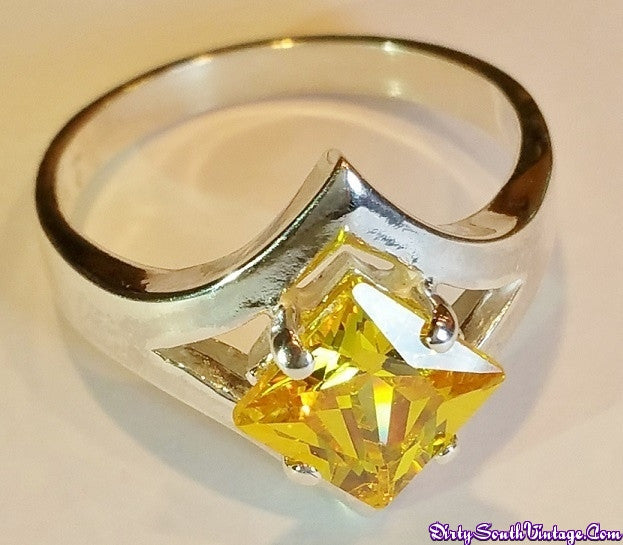Stunning Ring Trillion Cut Yellow Stone/Sterling Silver Dazzles the eyes!! All Sizes Available