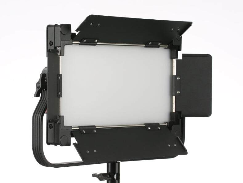 Pro Video LED Light 800X Bi-Color 80W CRI95 With Barn Doors and Remote