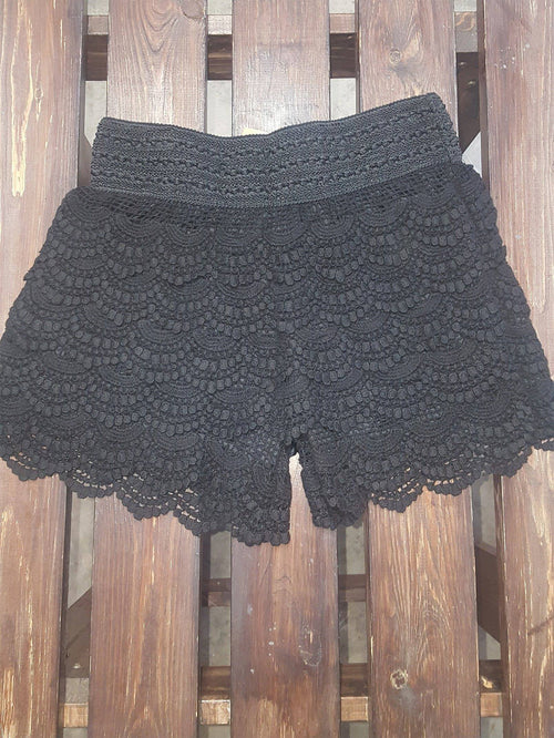 Scallop Crochet Lace Shorts- Black