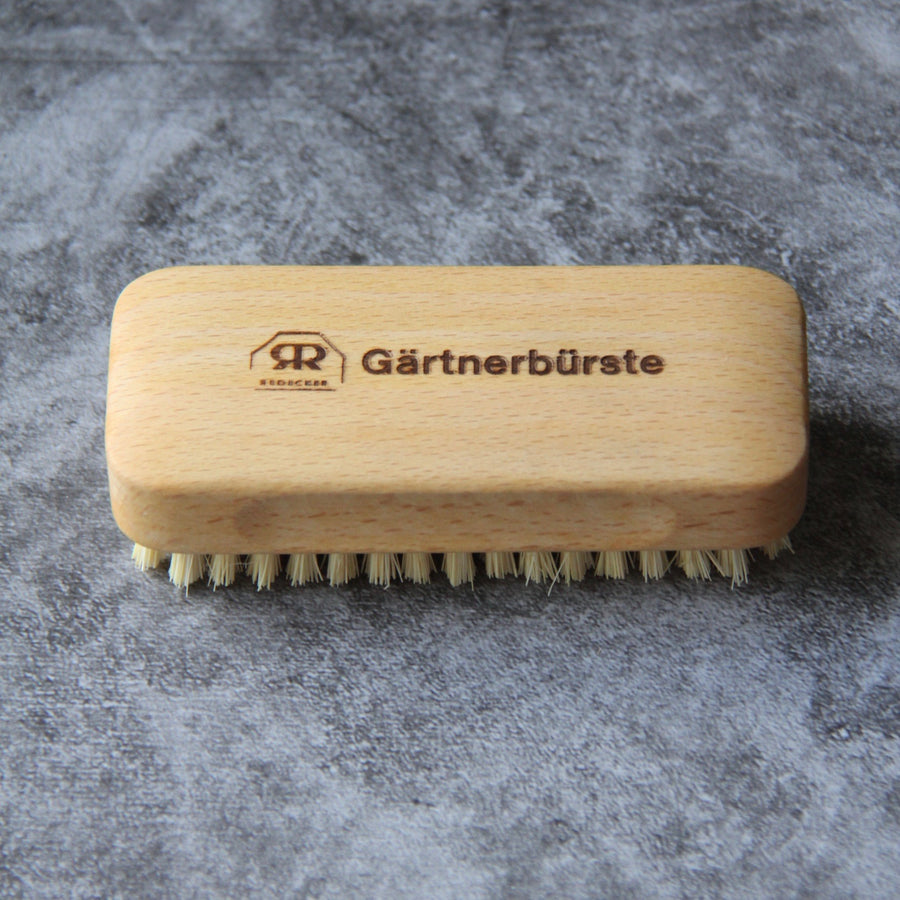 Gardener's nail brush beechwood and tampico fiber