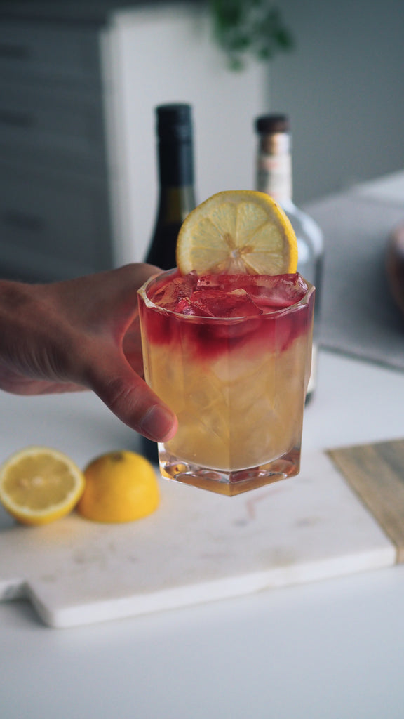 Rye and wine mixed drink called hillier sour