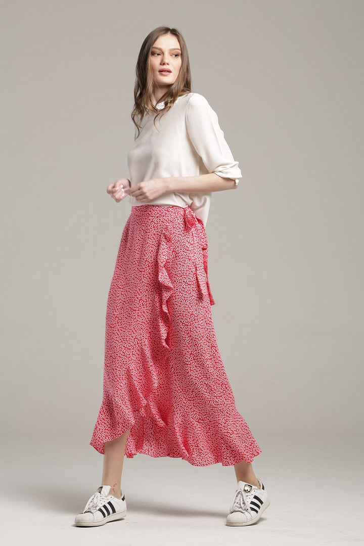 Ruffled floral-print wrap skirt in red