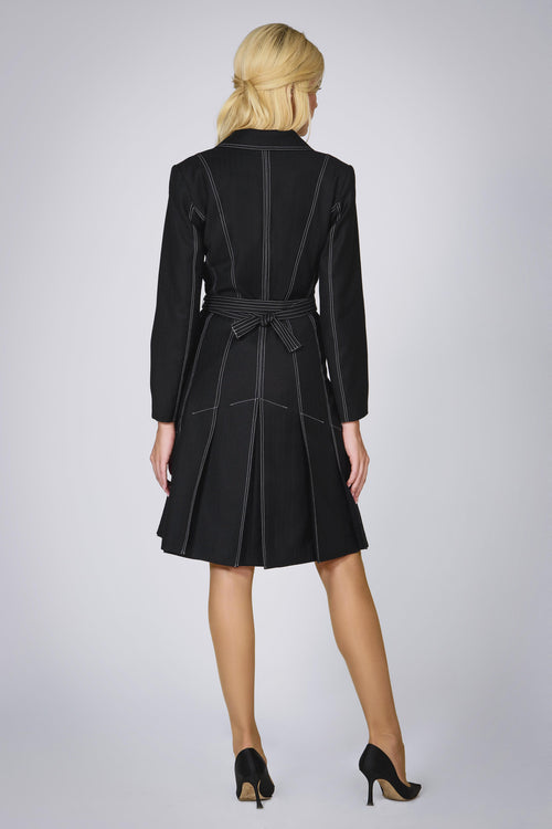 Virgin wool dress with pleated back and contrasting stitching