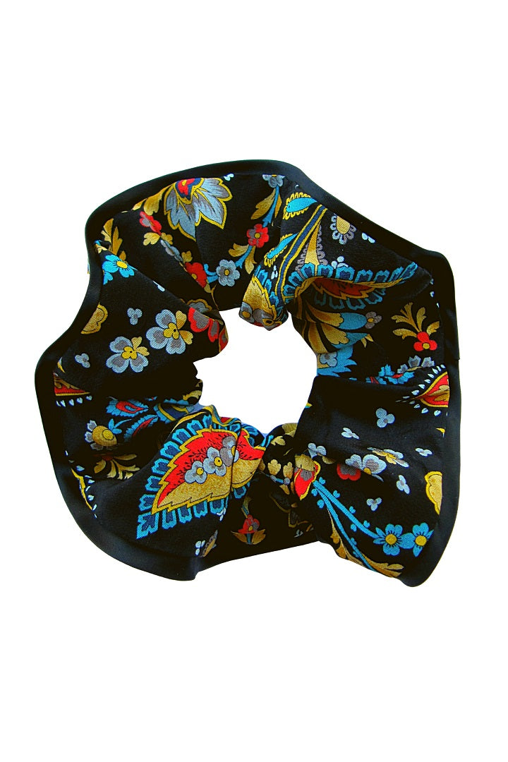 Silk scrunchie with multicolour floral print