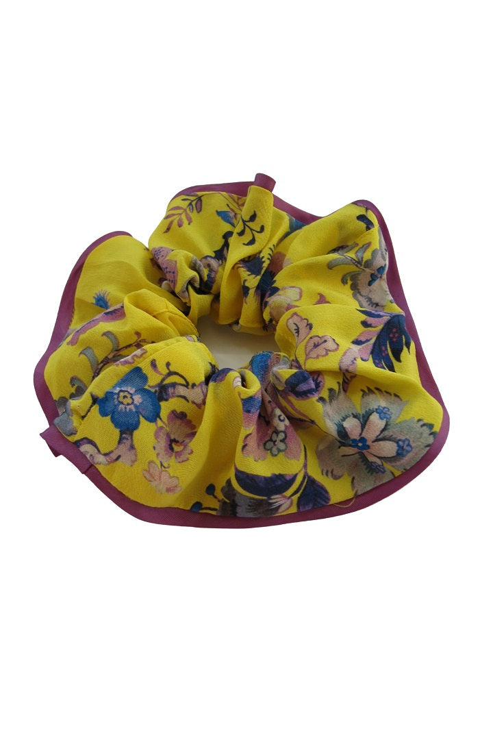 Silk scrunchie with oriental floral print in yellow