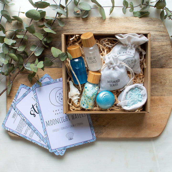 The Moonlight Waters Large Potion Kit is the perfect introduction to mindfulness from The Little Potion Co! They are for those seeking to start on their magical journey and help to promote imaginative play.