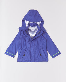 Splash in style with the eye-catching Stripy Sailor Rainkoat. Every little rainy-day explorer needs a coat that they can count on with welded seams to keep them extra dry. The jacket and cosy hood are lined with soft, 100% cotton material in a charming nautical blue and white stripe. Try rolling the sleeves for a peek at the
