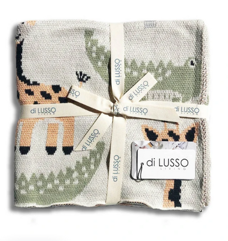 This gender neutral blanket by Di Lusso features a playful motif of jungle animals - including a friendly lion and smiling crocodile. It makes the Perfect gift!
