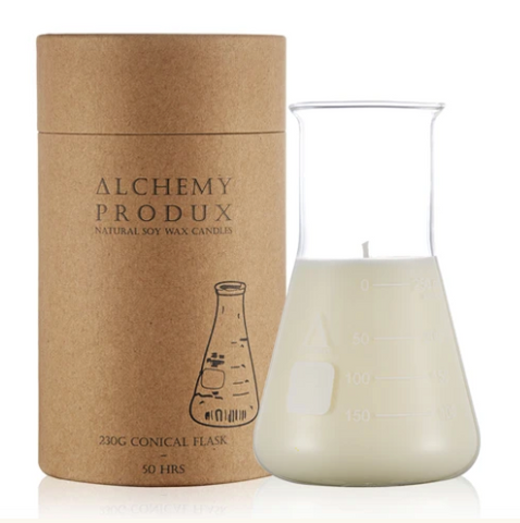 Get a whiff of this insanely yummy Yuzu candle! Set in a chemistry flask, this range by Alchemy are about mixing a Science vibe with incredible scents.