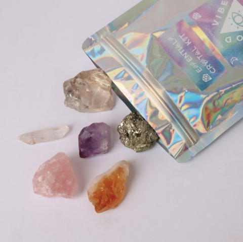 Spread the Good Vibes and live your best life with this Essentials Crystal Pack by Good Vibes Gang. An introductory Crystal Kit with all the basic gems to begin.  Responsibly sourced crystals blessed with reiki and good vibes and hand packed in Melbourne, Australia.