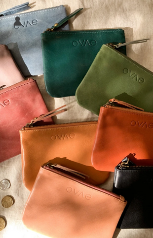 This gorgeous Mulberry Leather Coin Purse from Ovae is perfect to store the essential cards, cash and coins!