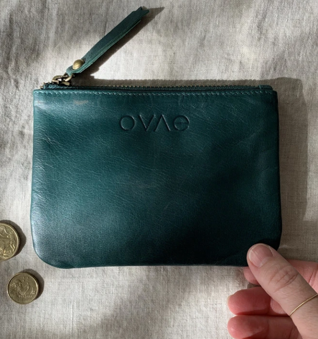This gorgeous Forest Leather Coin Purse from Ovae is perfect to store the essential cards, cash and coins.