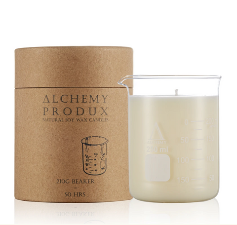 Get a whiff of this insanely yummy Lychee & Black Tea candle! Set in a chemistry beaker, this range by Alchemy are about mixing a Science vibe with incredible scents.