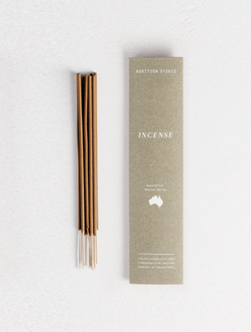 We're zenning out with the Australian Native Incense - Juniperberry & Frankincense from Addition Studios! Such a purifying scent which captures woody earth tones!