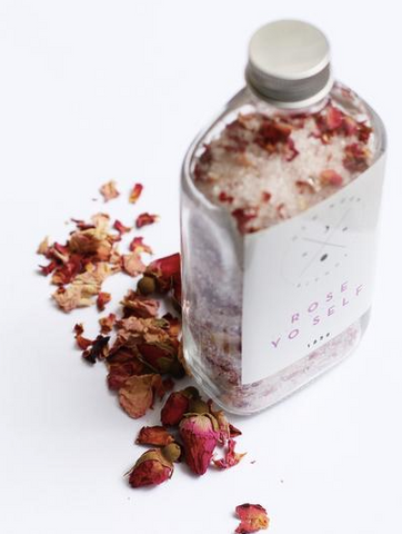 Enjoy the Rose Yo Self Bath Salts by New Moon Blends!   These rose geranium bath salts are perfect for a relaxing soak. Epsom salts helps to ease stress, improves sleep and reduces inflammation.