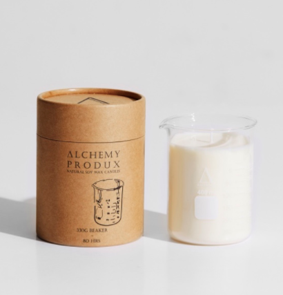 Get a whiff of this insanely yummy Australia candle! Set in a chemistry beaker, this range by Alchemy are about mixing a Science vibe with incredible scents.   A quintessential Australian fragrance with essential notes of woody fir needle, leafy greens and bottom notes of native flora!