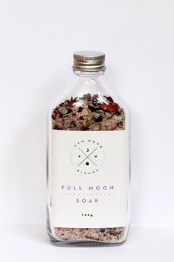 Enjoy the Full Moon Bath Salts by New Moon Blends!   This luxurious blend of Himalayan salts, epsom salts and botanicals is made for the intention of cleansing yourself during the full moon cycle.