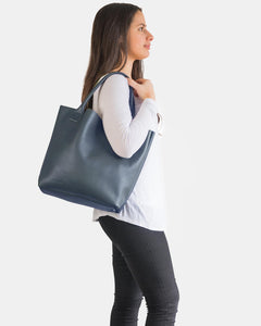 PORTSEA GETAWAY BAG IN NAVY