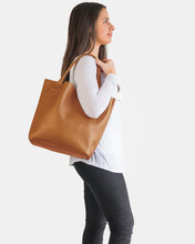 PORTSEA GETAWAY BAG IN TAN