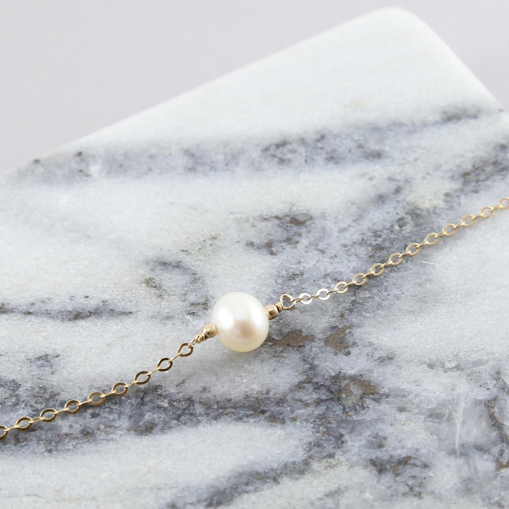 Solitaire Pearl Chain Choker Necklace