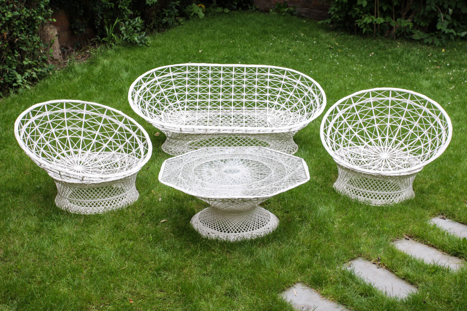 Russell Woodard 1960s Spun Fibreglass Patio Set