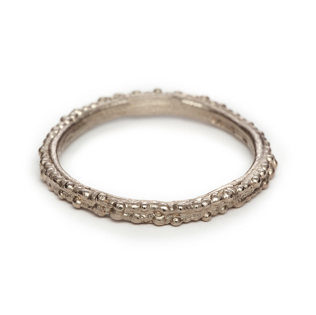 Ladies wedding band in white gold by Ruth Tomlinson, handmade in London