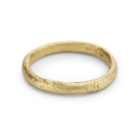 Textured yellow gold ladies wedding band by Ruth Tomlinson, handmade in London