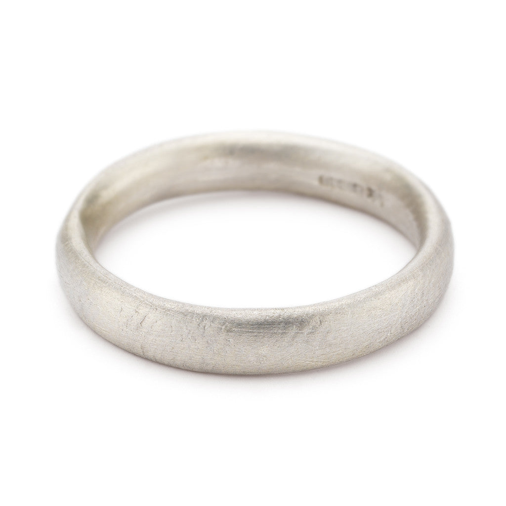 4mm textured gold men's wedding band by Ruth Tomlinson, handmade in London