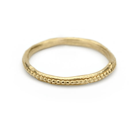 Yellow gold ladies wedding band with detailed edge from Ruth Tomlinson