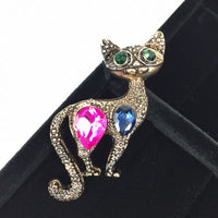 Beautiful Cat Crystal stoned brooch. Great gift for Cat lovers