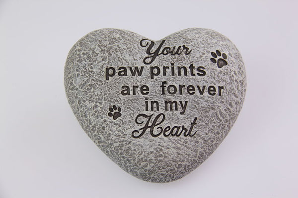 Memorial stone - your paw prints are forever in my heart. 11 cm cement memorial stone.