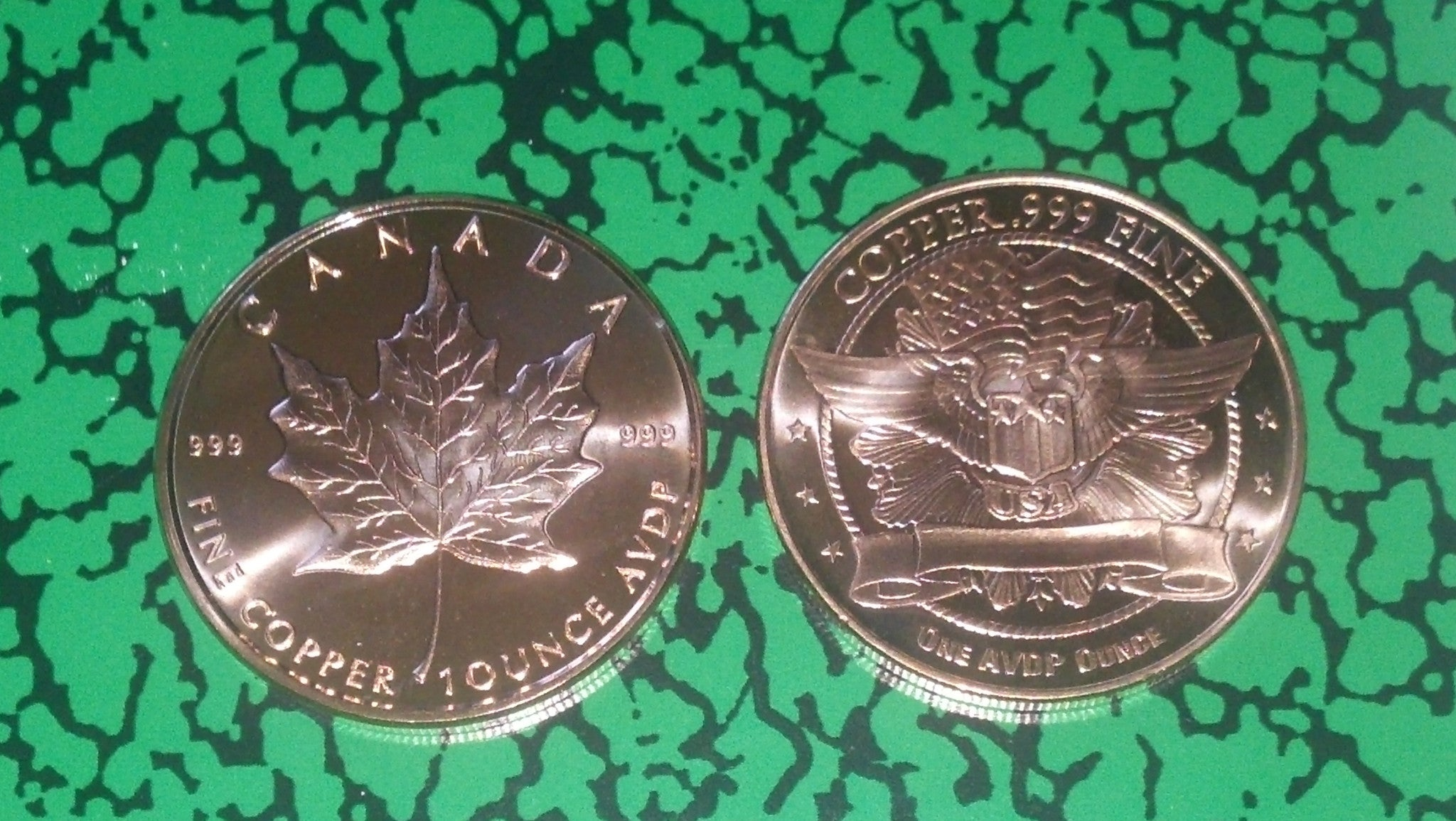 Copper Round Coin Canada   MAPLE LEAF    1 oz