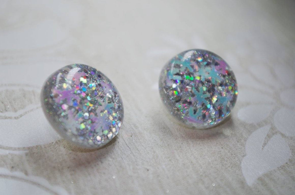 Snowflake Silver Sparkle – 25mm Flat Top Dome Earrings