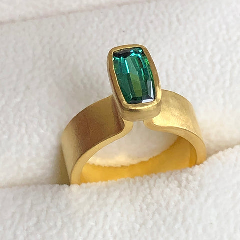 The Philippe Spencer Green Tourmaline Baguette Ring in 20K Gold