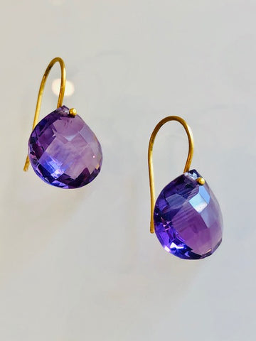 The Grace Signature Earrings in Amethyst