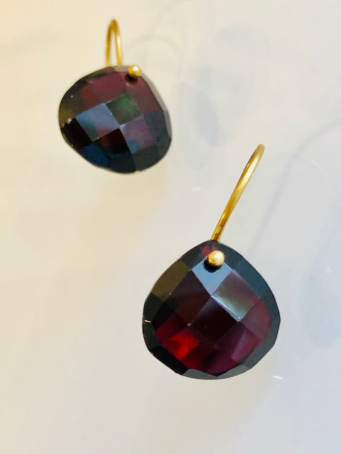 The Grace Signature Earrings in Garnet