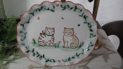 Oval Plate with Tan and Brown Cats