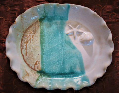Oval Plate with Shell and Starfish in Sandy Shores Glaze