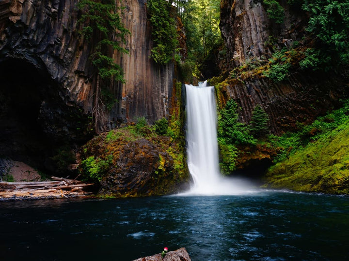 Chasing 500 Waterfalls in the Pacific Northwest: An Interview with Tim Burke
