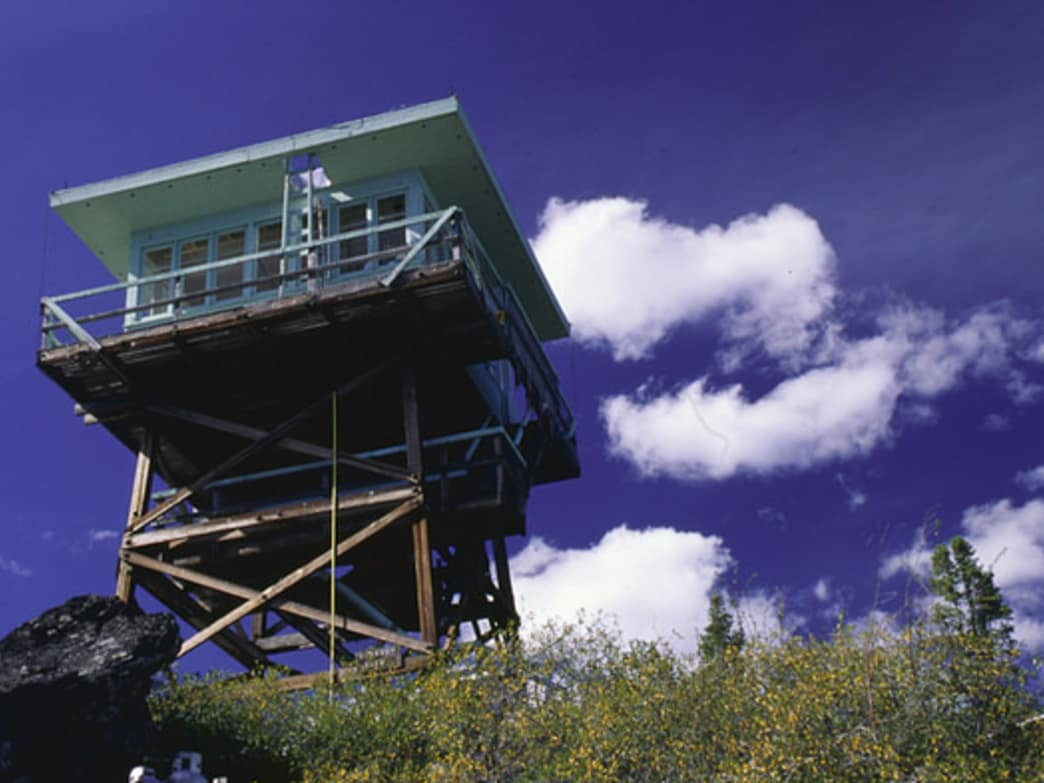 Fire Towers in Oregon: How to Snag These Rooms With a View