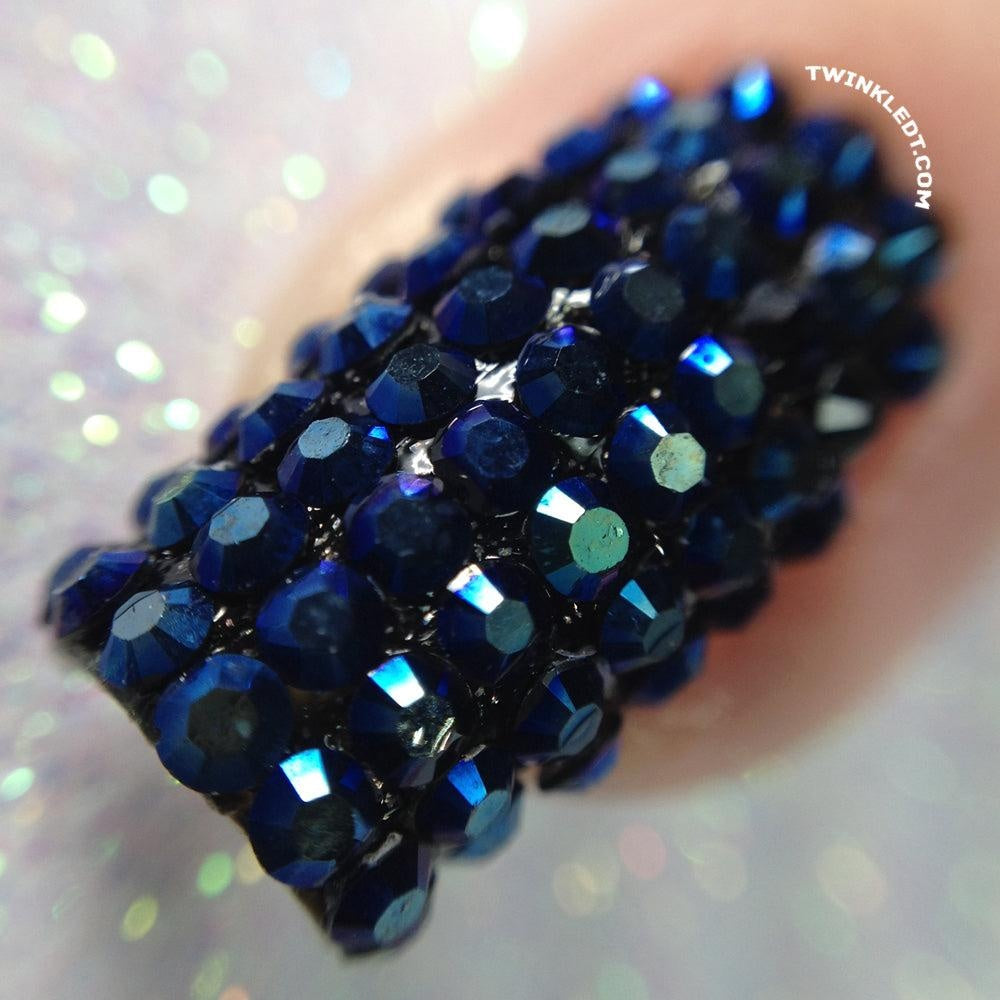 300 Blue Black Rhinestones Wheel