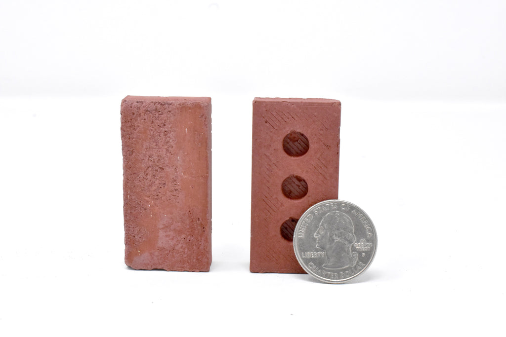 1:4 Scale Mini Red Brick Pallet (32pk) + Large Wood Crate