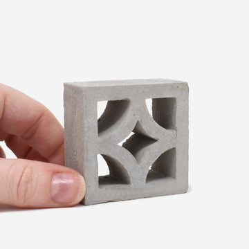 1:6 Scale Mini Empress Breeze Block (1pk)